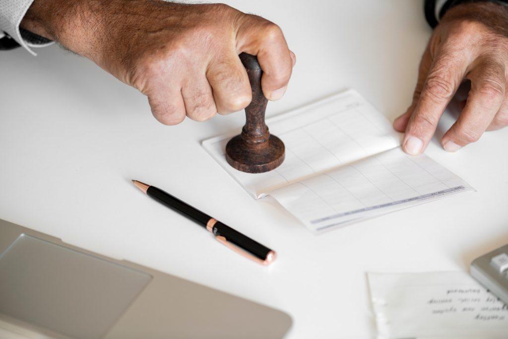 Comment ouvrir un compte bancaire pour son association ?